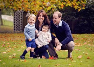 The Duke and Duchess of Cambridge release a new family portrait